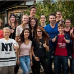 Jóvenes de la comunidad dan soporte a las favelas de Sao Paulo